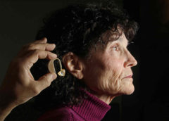Как правильно подобрать слуховой аппарат для пожилого человека без врача